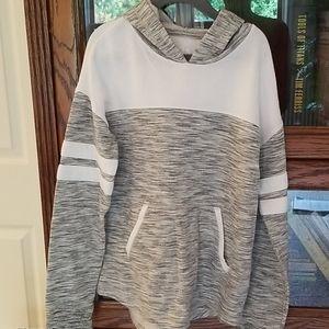 So pullover hoodie